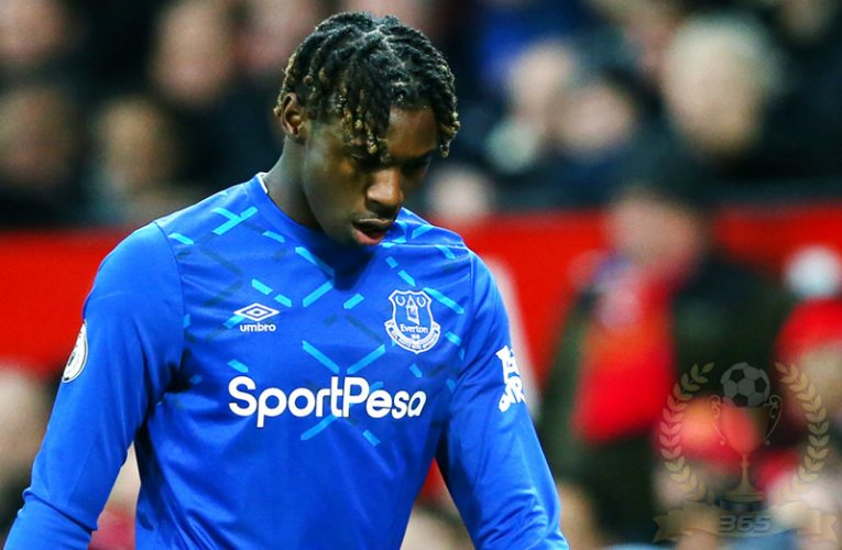 Tengah Lockdown Striker Everton Ini Malah Gelar Pesta